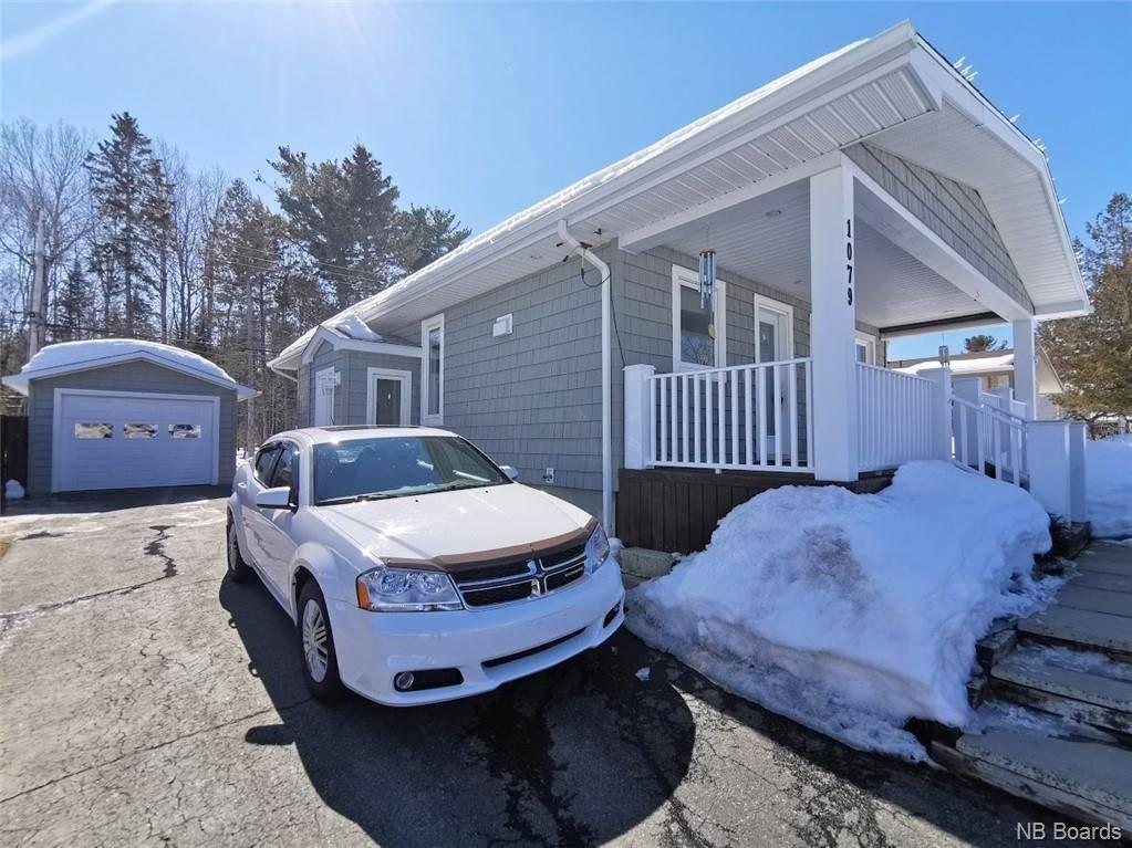 House for sale at 1079 Centennial  Bathurst New Brunswick - MLS: NB042255
