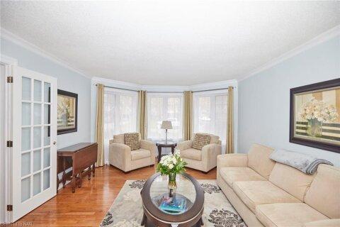 House for sale at 1079 Deborah St Fonthill Ontario - MLS: 40044620