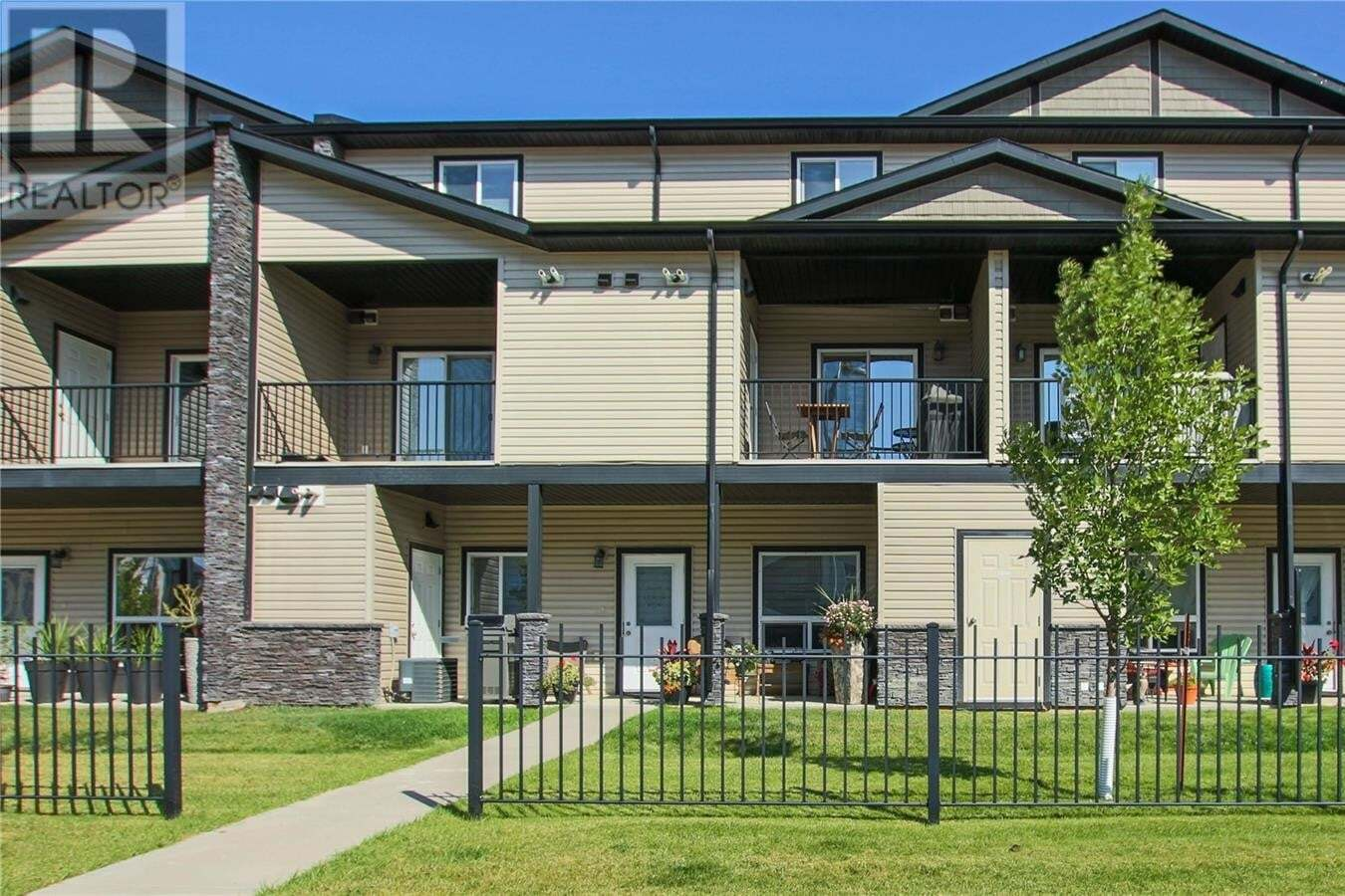 Townhouse for sale at 3810 Dewdney Ave E Unit 108 Regina Saskatchewan - MLS: SK827585