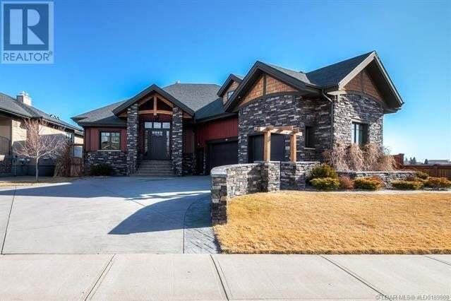House for sale at 108 Canyoncrest Pt West Lethbridge Alberta - MLS: ld0189888