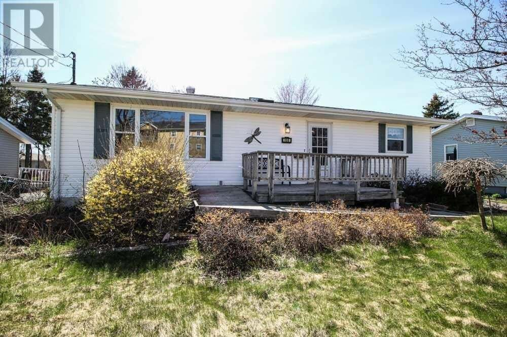 House for sale at 108 Patterson Dr Charlottetown Prince Edward Island - MLS: 202008309