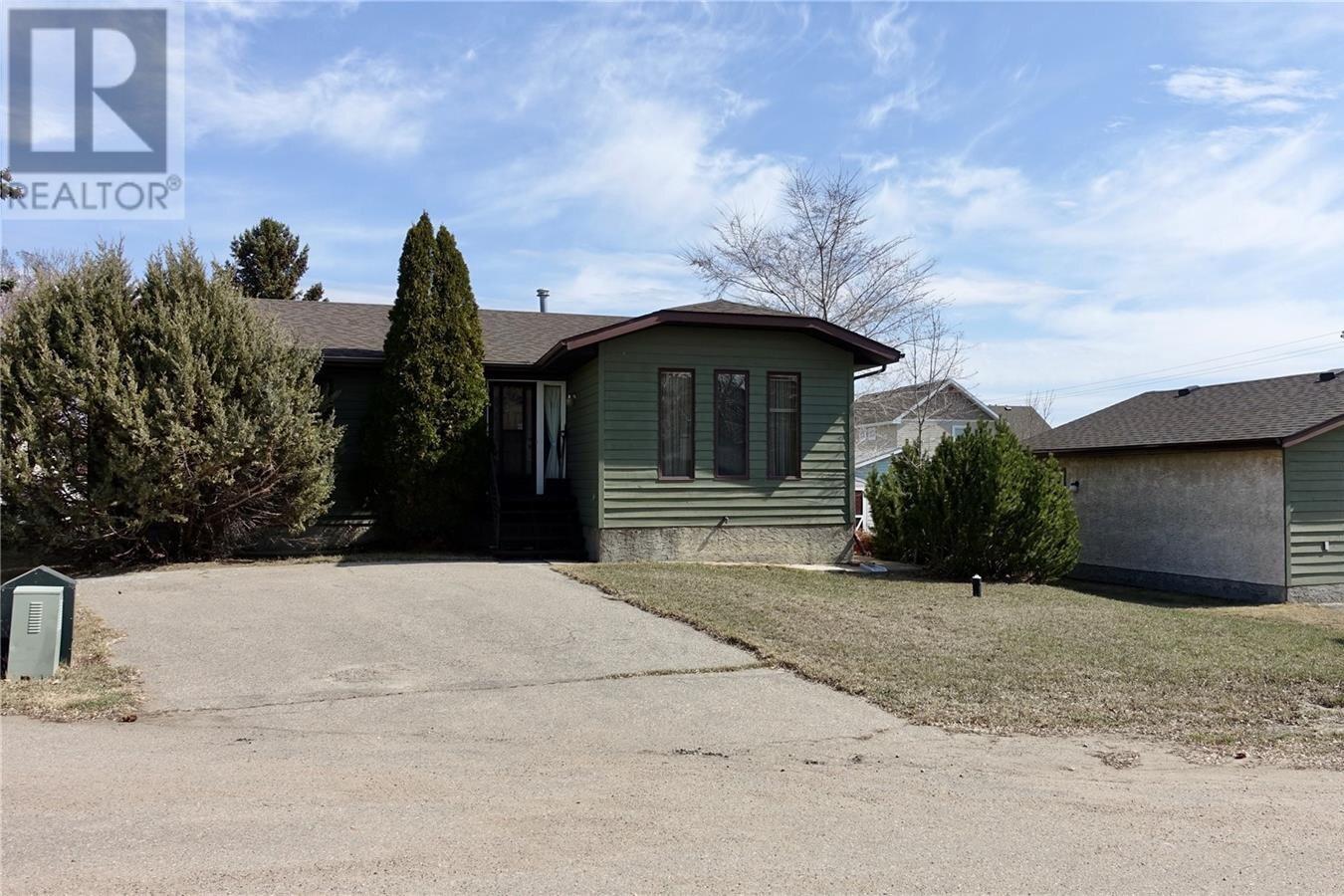 House for sale at 108 Plaxton Pl Regina Beach Saskatchewan - MLS: SK826130