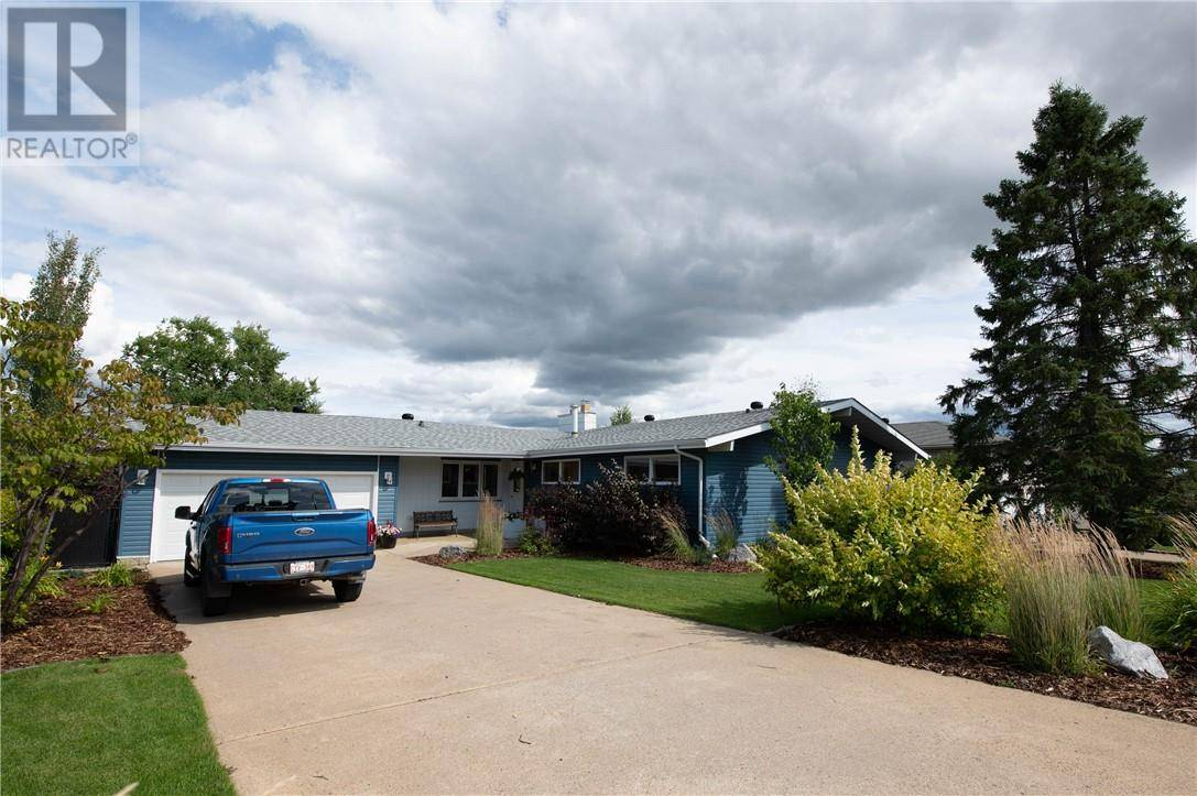 House for sale at 108 Romar St Fort Mcmurray Alberta - MLS: fm0175747