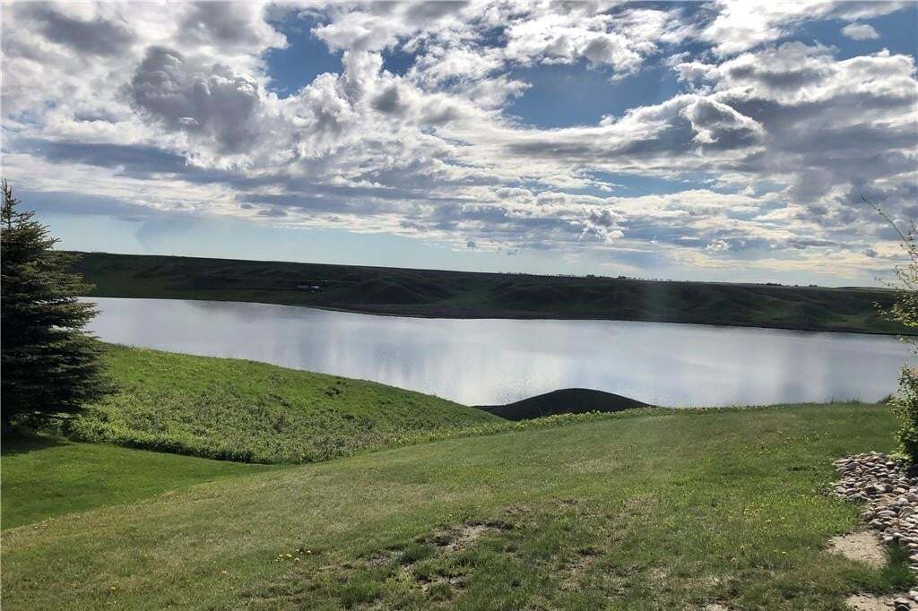 Residential property for sale at 108 White Pelican Wy Mcgregor Lake, Rural Vulcan County Alberta - MLS: C4297823