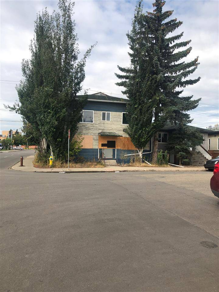 Home for sale at 10856 98 St Nw Unit 10852 Edmonton Alberta - MLS: E4171204