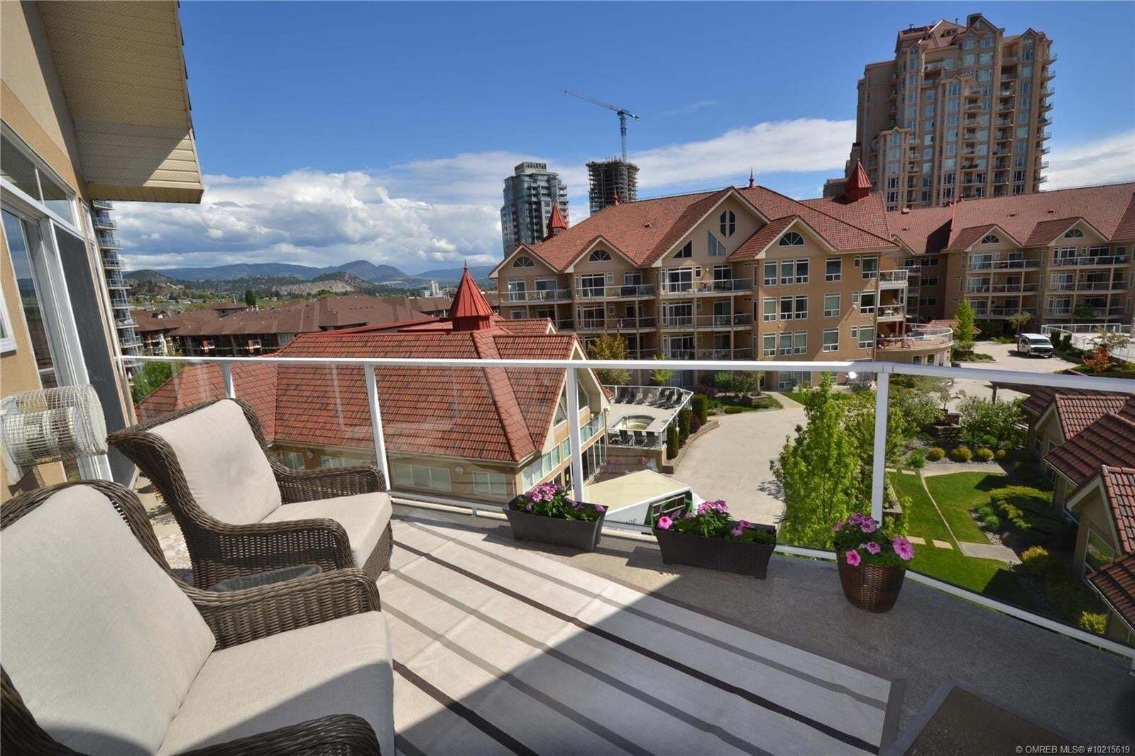 Condo for sale at 1088 Sunset Dr Kelowna British Columbia - MLS: 10215619