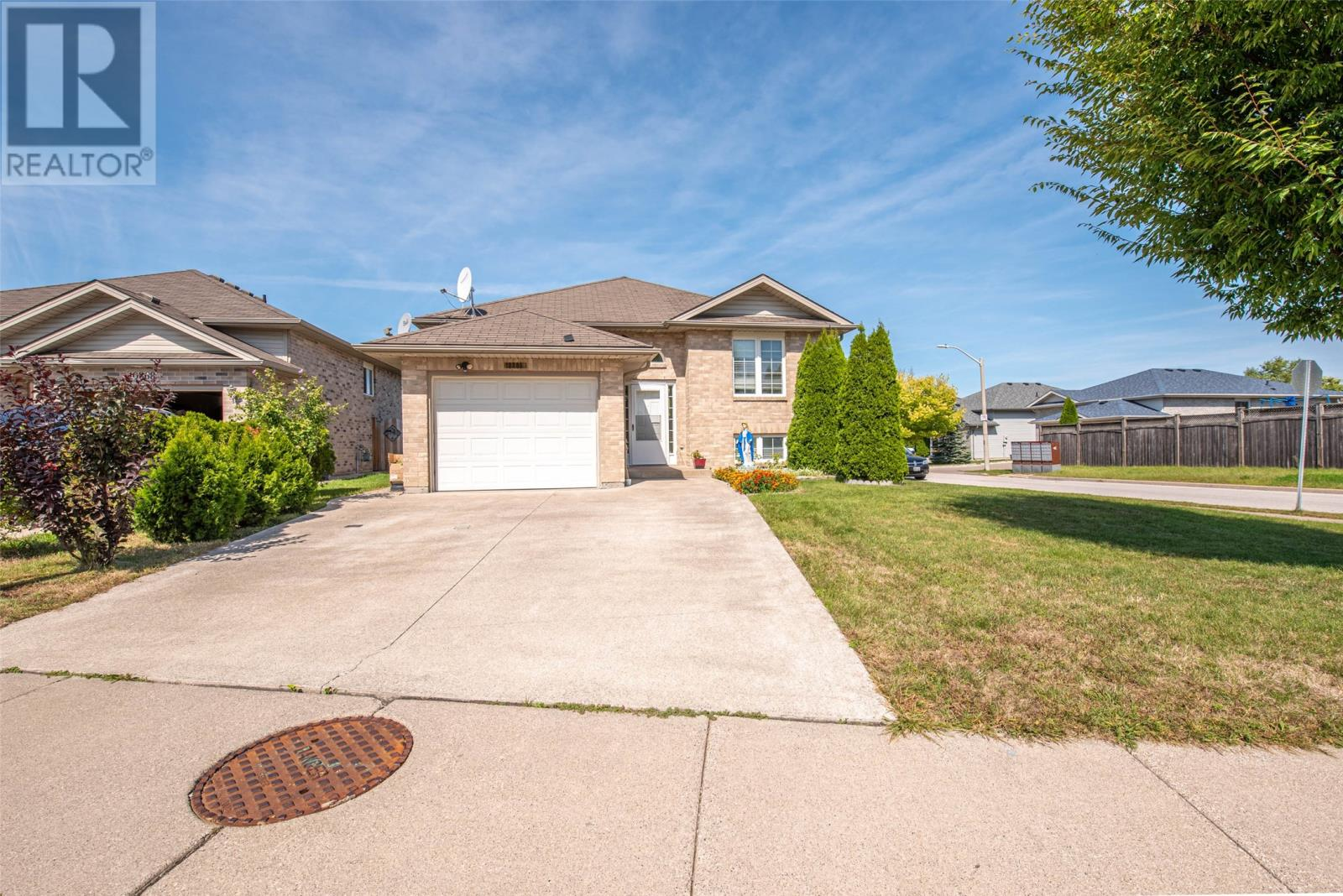 Removed: 10886 Spring Hollow, Windsor, ON - Removed on 2020-04-08 06:39:10