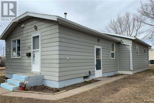 House for sale at 109 1 Ave SE Milk River Alberta - MLS: ld0190370