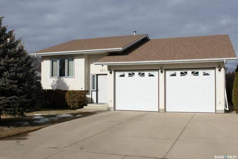 House for sale at 109 1st Ave Gravelbourg Saskatchewan - MLS: SK800196