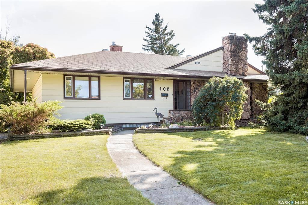 House for sale at 109 20th St W Prince Albert Saskatchewan - MLS: SK784104