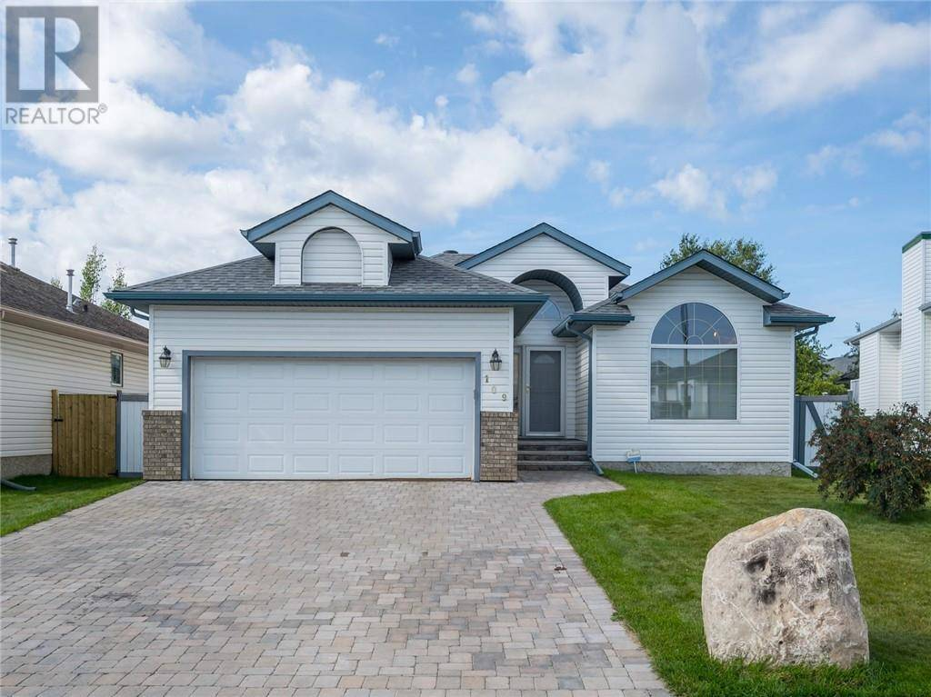 House for sale at 109 Burry Rd Fort Mcmurray Alberta - MLS: fm0177222