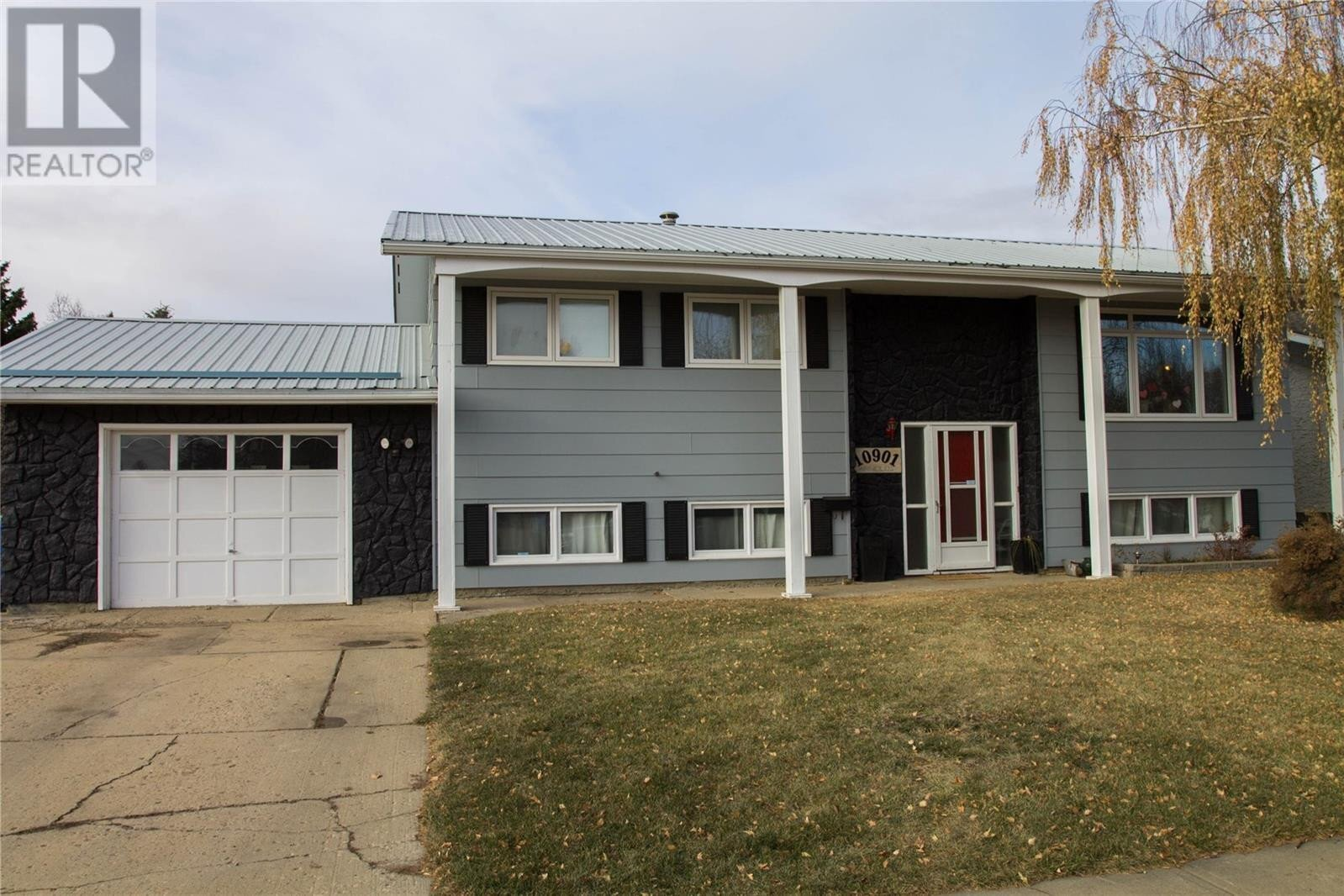 House for sale at 10901 Scott Dr North Battleford Saskatchewan - MLS: SK831935