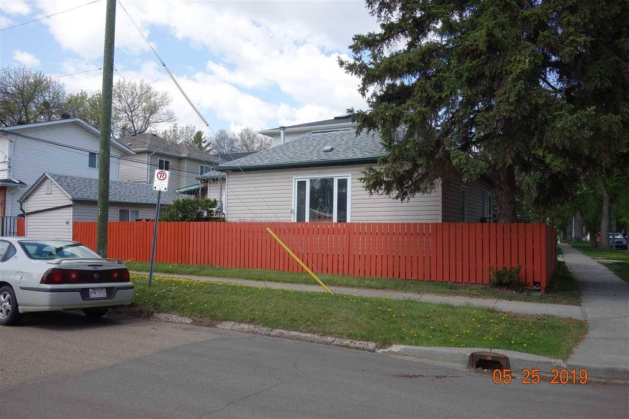 House for sale at 10902 92 St Nw Edmonton Alberta - MLS: E4190610