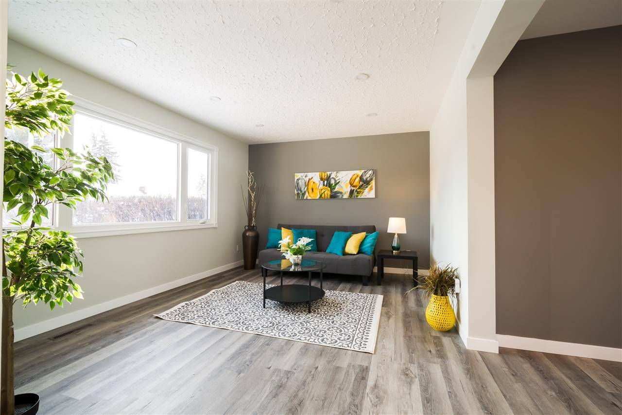 10924 135a Avenue Nw, Edmonton   Image 2