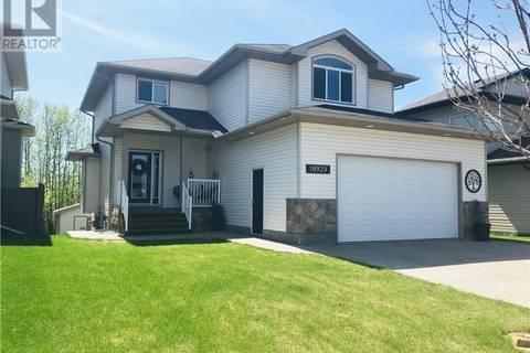 House for sale at 10929 65 Ave Grande Prairie Alberta - MLS: GP203007