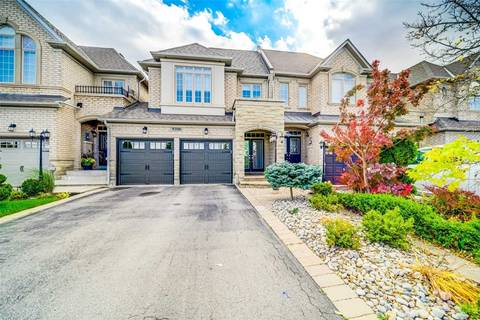 Townhouse for sale at 1096 Agram Dr Oakville Ontario - MLS: W4621488