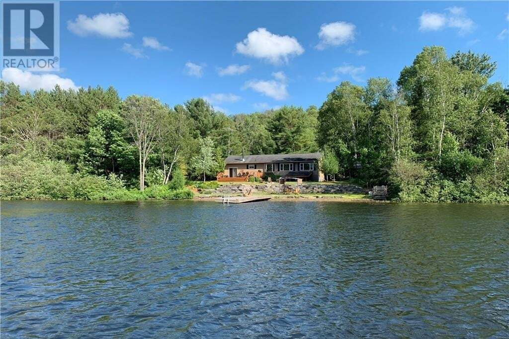 House for sale at 1096 Paint Lake Rd Lake Of Bays Ontario - MLS: 260044