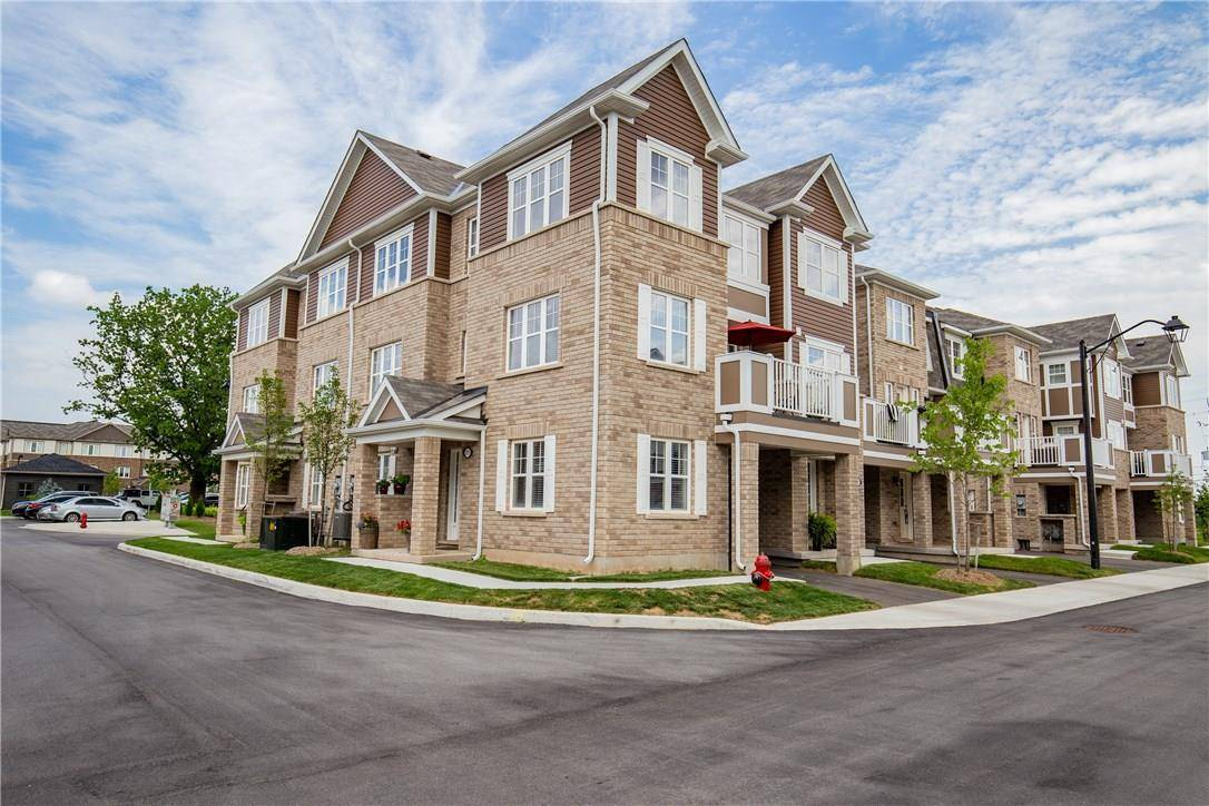 Townhouse for sale at 22 Spring Creek Dr Unit 11 Waterdown Ontario - MLS: H4059490
