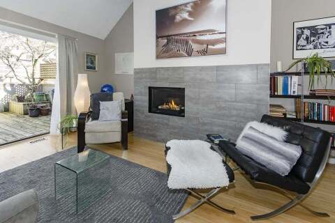 Townhouse for sale at 230 15th St W Unit 11 North Vancouver British Columbia - MLS: R2466304