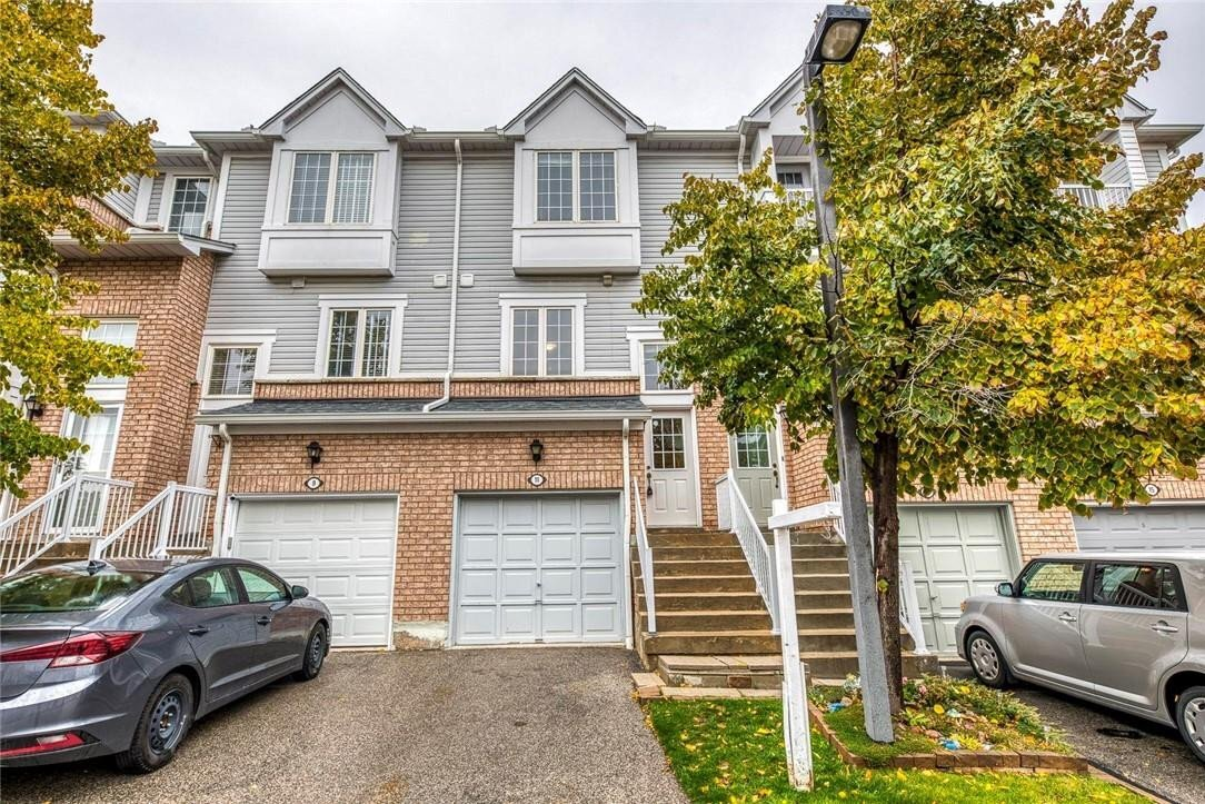 Townhouse for sale at 280 Hillcrest Ave Unit 11 Mississauga Ontario - MLS: H4091551