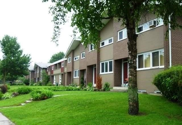 Sold: 3240 The Credit Woodlands , Mississauga, ON