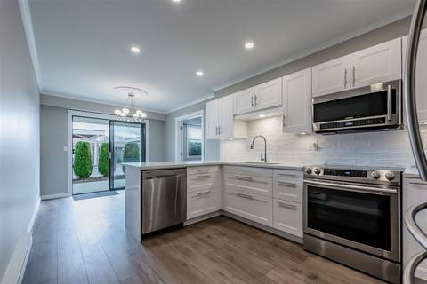 Townhouse for sale at 32959 George Ferguson Wy Unit 11 Abbotsford British Columbia - MLS: R2448467