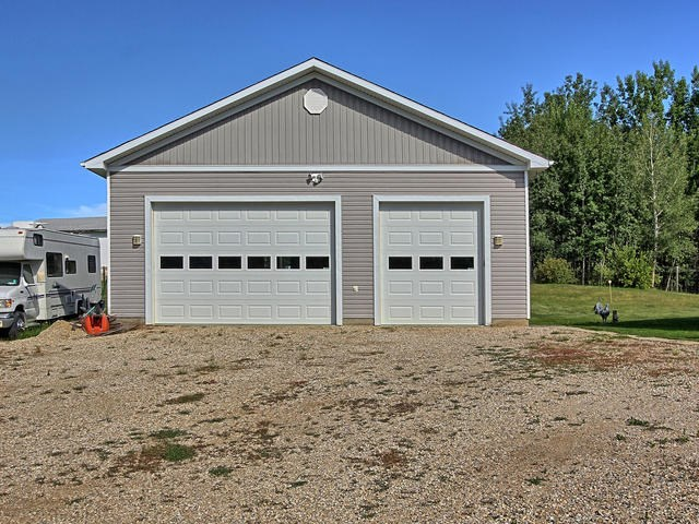 For Sale: 11 52414 Rge Rd 30 Road, Rural Parkland County, AB   3 Bed, 2 Bath House for $449,900. See 7 photos!