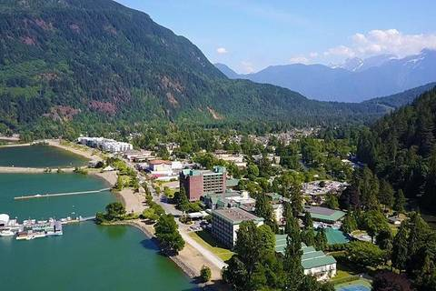 Townhouse for sale at 730 Mccombs Dr Unit 11 Harrison Hot Springs British Columbia - MLS: R2424011