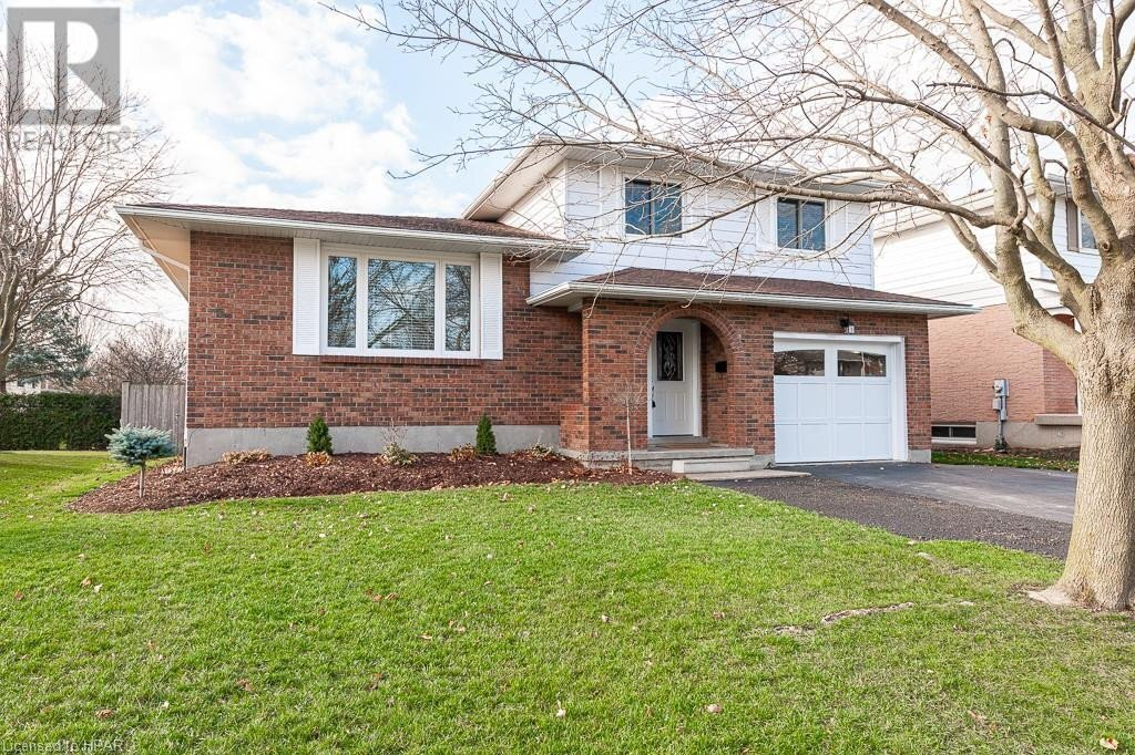 House for sale at 11 Braemar Cres Stratford Ontario - MLS: 40045630