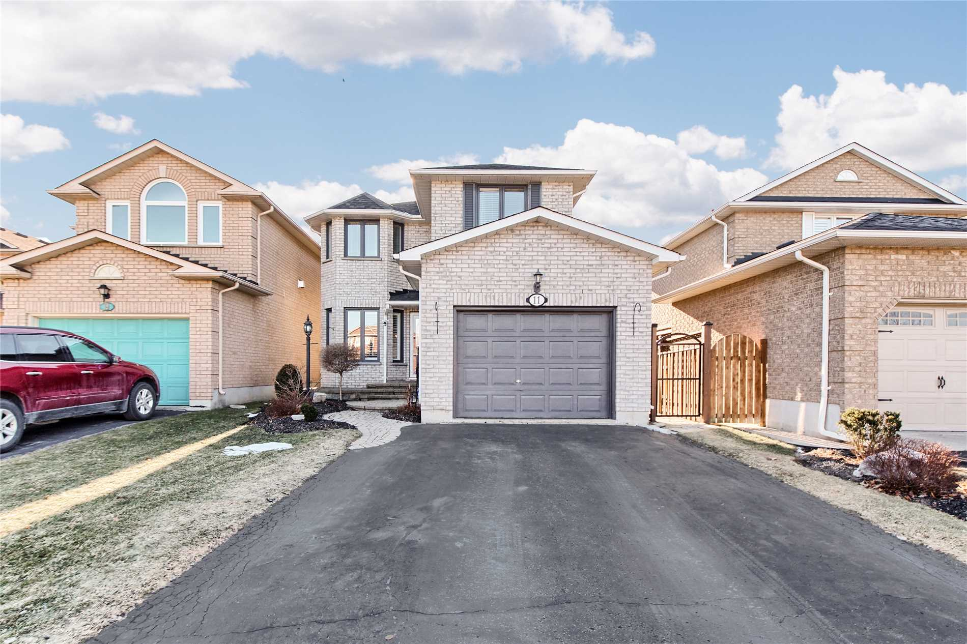 House for sale at 11 Caleche Avenue Clarington Ontario - MLS: E4336053