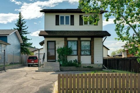 House for sale at 11 Castleridge Dr NE Calgary Alberta - MLS: A1024649