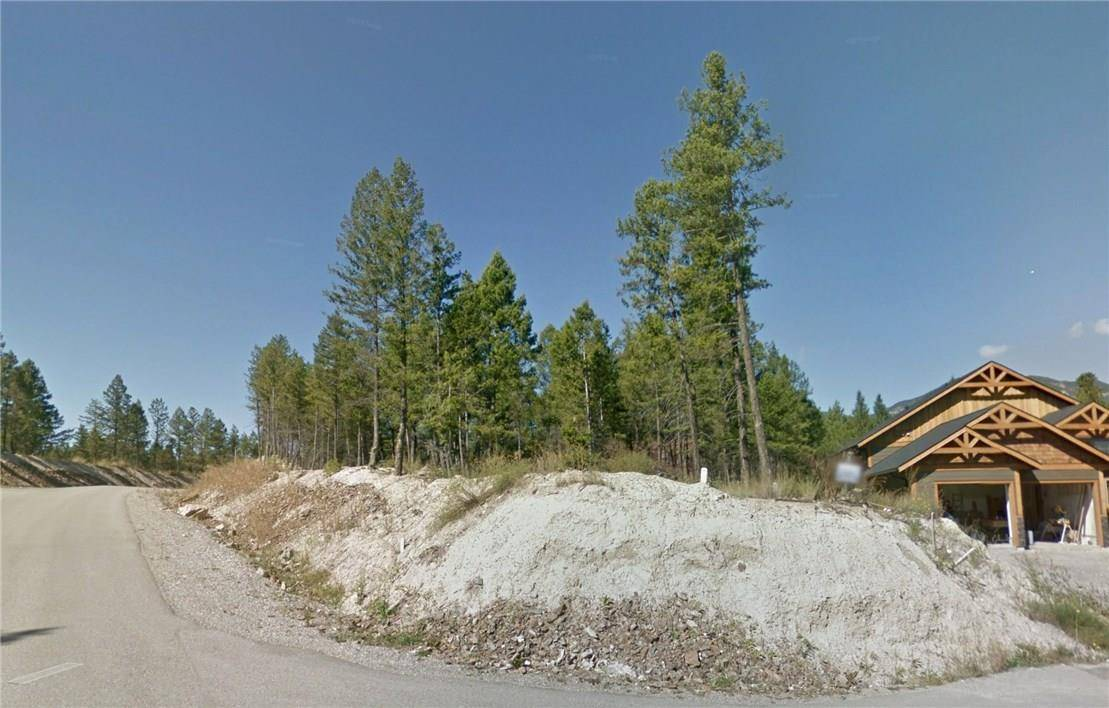 Home for sale at 11 Copper Point Way  Invermere Rural British Columbia - MLS: 2441263
