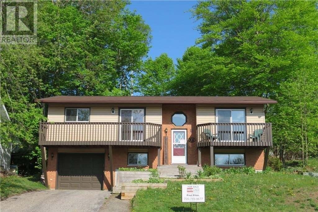 House for sale at 11 Crestview Dr Huntsville Ontario - MLS: 260310