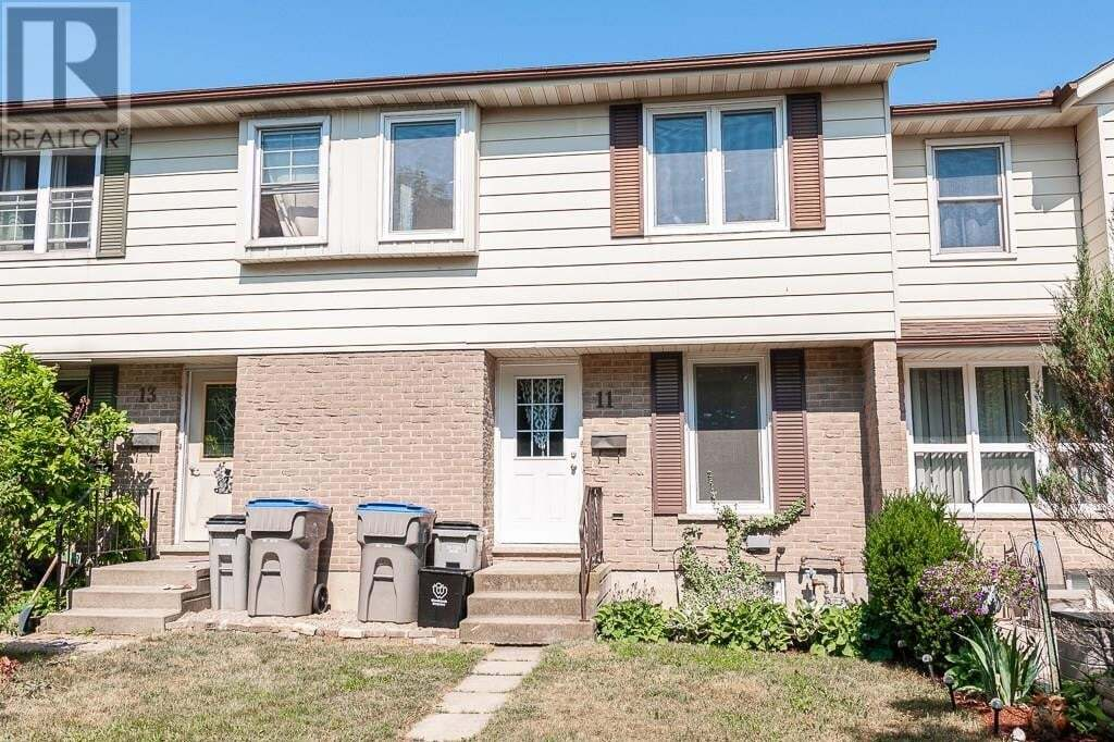 Townhouse for sale at 11 Dunsford Cres St. Marys Ontario - MLS: 30816000