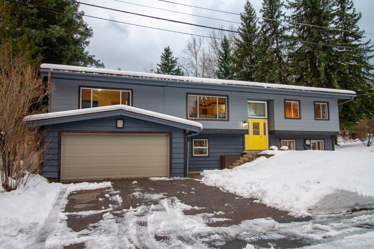 House for sale at 11 Elkview Cres Fernie British Columbia - MLS: 2455464