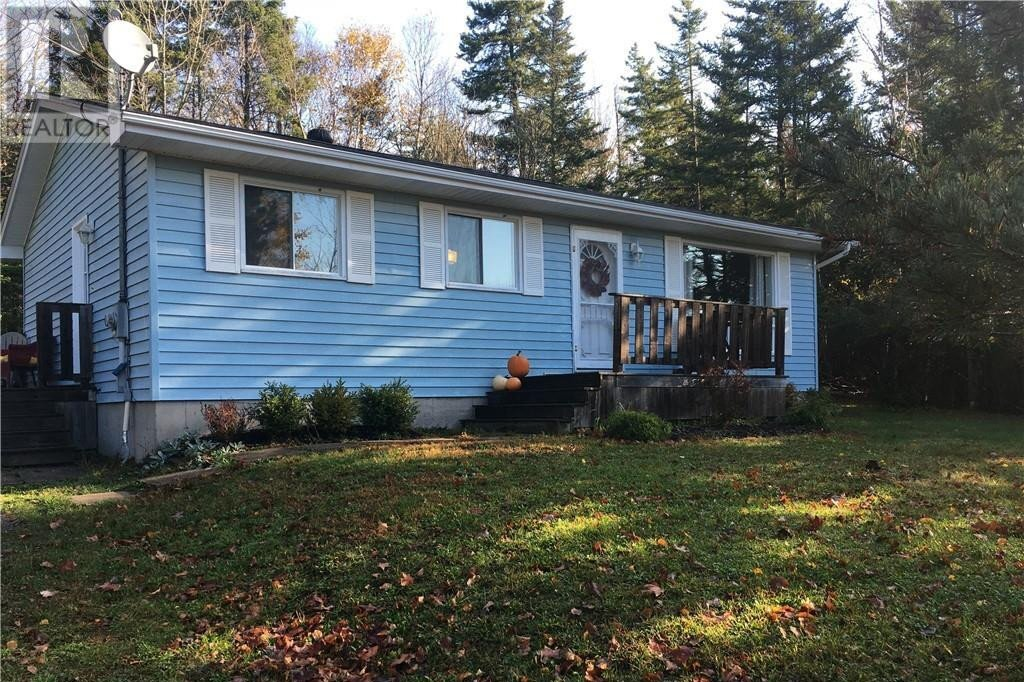 House for sale at 11 Ellis Dr Rothesay New Brunswick - MLS: NB050183