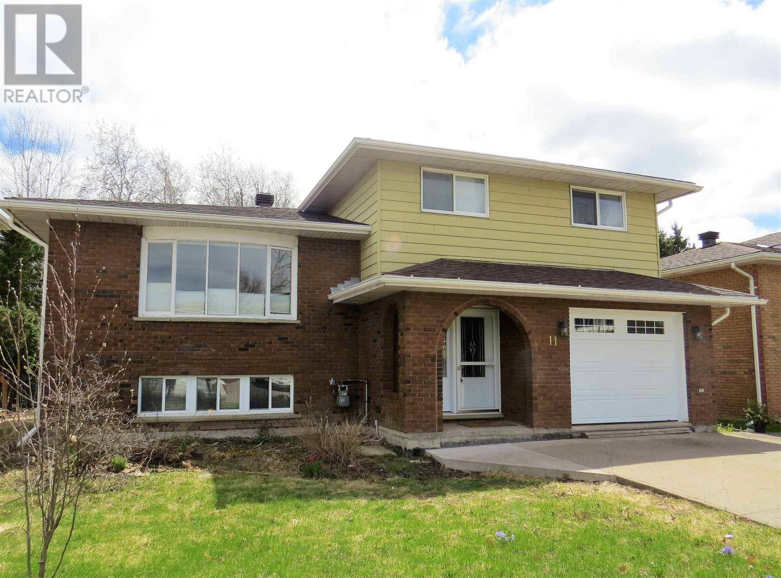 House for sale at 11 Golf Range Cres Sault Ste Marie Ontario - MLS: SM127120