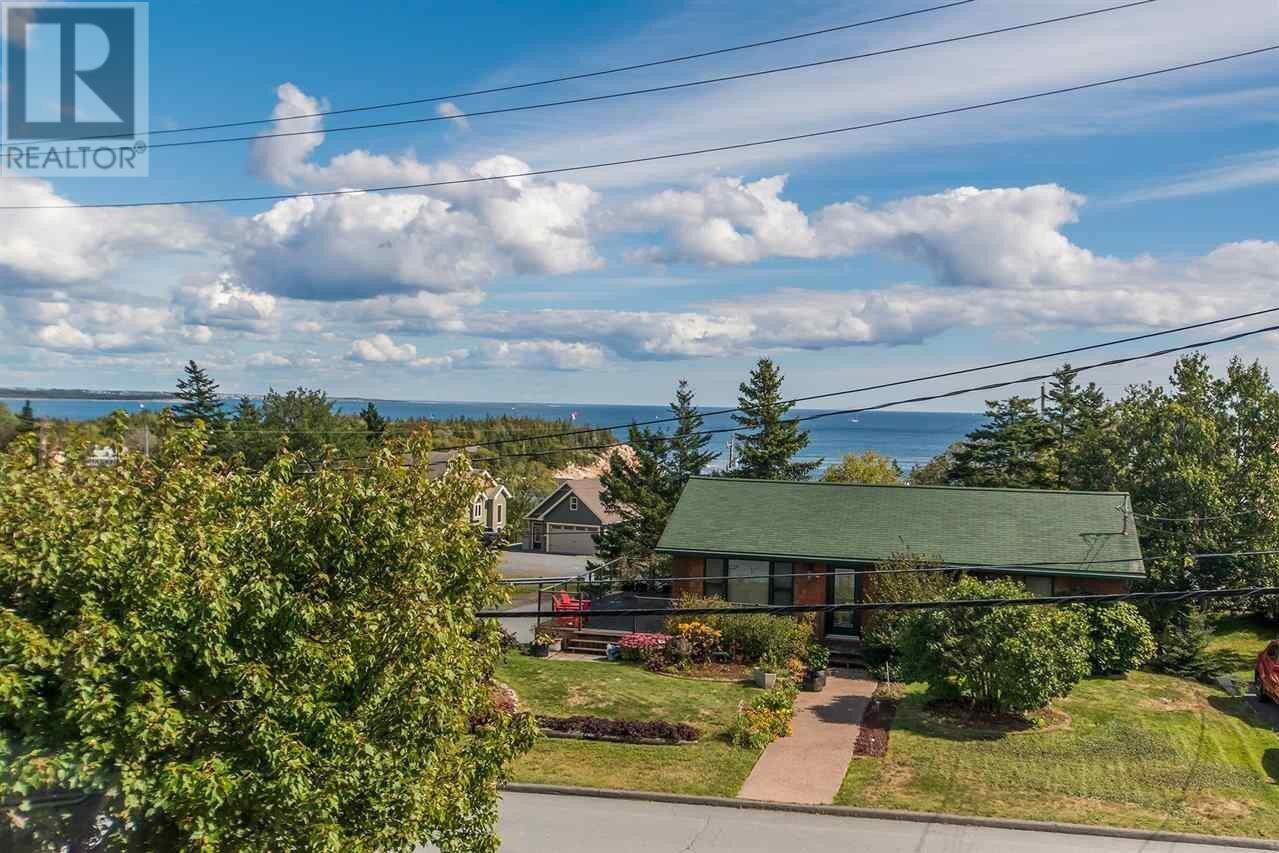 House for sale at 11 Lancaster Dr Herring Cove Nova Scotia - MLS: 202016015