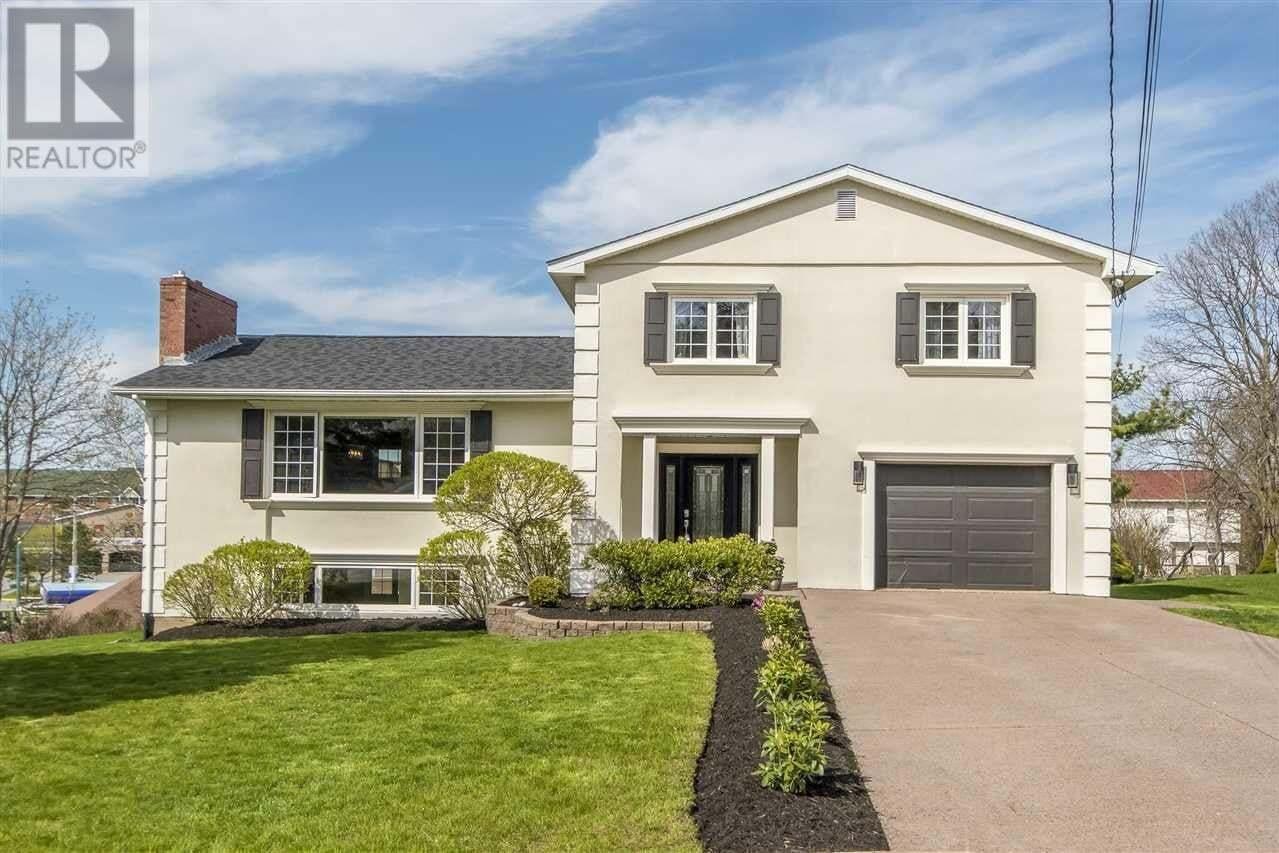 House for sale at 11 Laurentian Dr Halifax Nova Scotia - MLS: 202008619