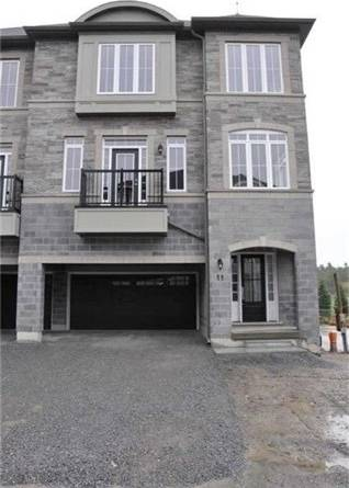 Townhouse for rent at 11 Lorne Glen St Markham Ontario - MLS: N4516598