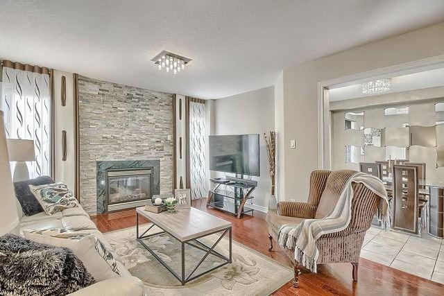 House for sale at 11 Lynn Street Bradford West Gwillimbury Ontario - MLS: N4309871
