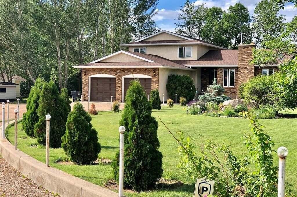 House for sale at 11 Main St Estevan Rm No. 5 Saskatchewan - MLS: SK814215