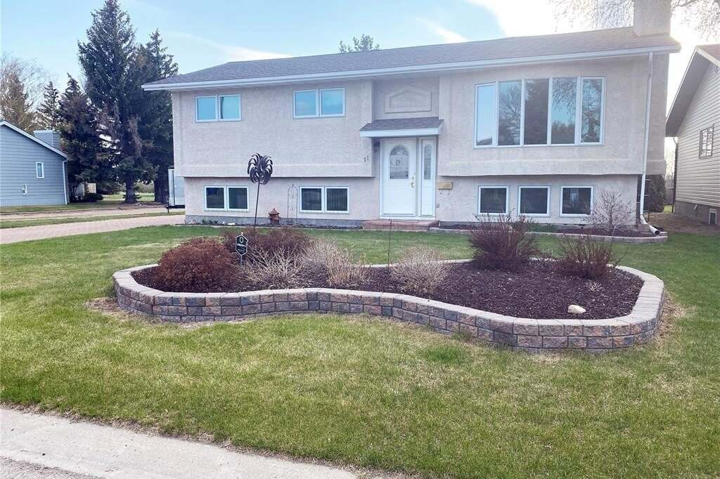 House for sale at 11 Maple Pl Outlook Saskatchewan - MLS: SK808892