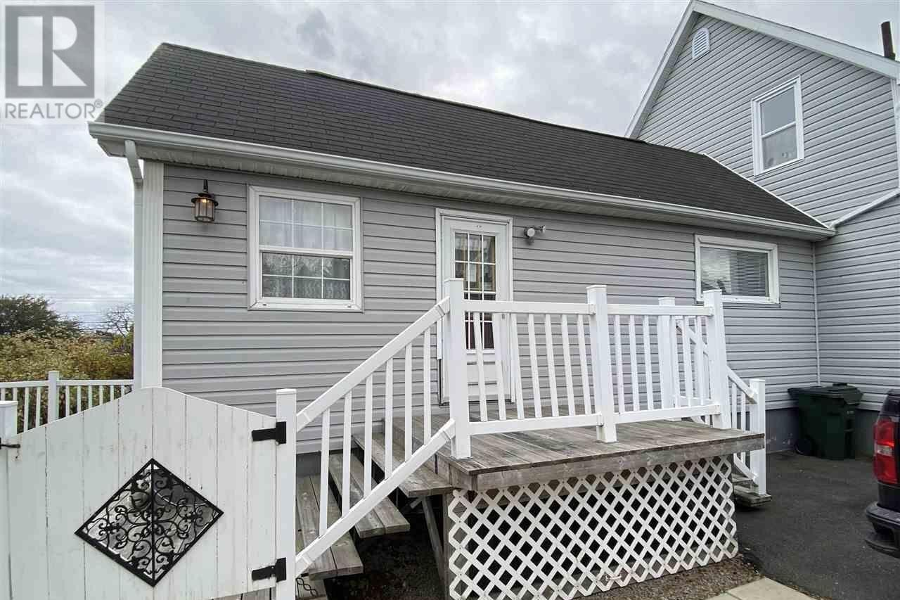 House for sale at 11 May St Glace Bay Nova Scotia - MLS: 202022690