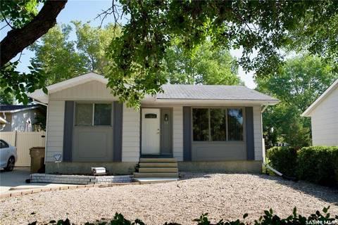 House for sale at 11 Neilson Cres Regina Saskatchewan - MLS: SK800876