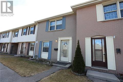 Townhouse for sale at 11 Queenston Dr Kitchener Ontario - MLS: 30728842
