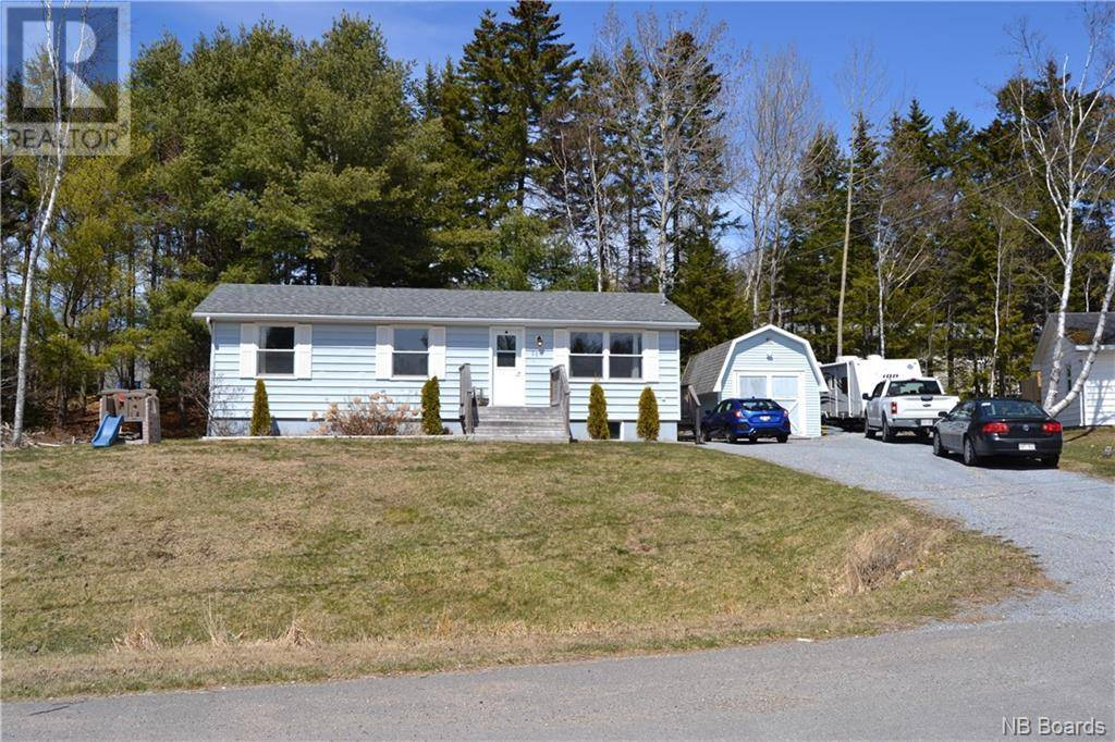 House for sale at 11 Rainbow  Grand Bay-westfield New Brunswick - MLS: NB042941