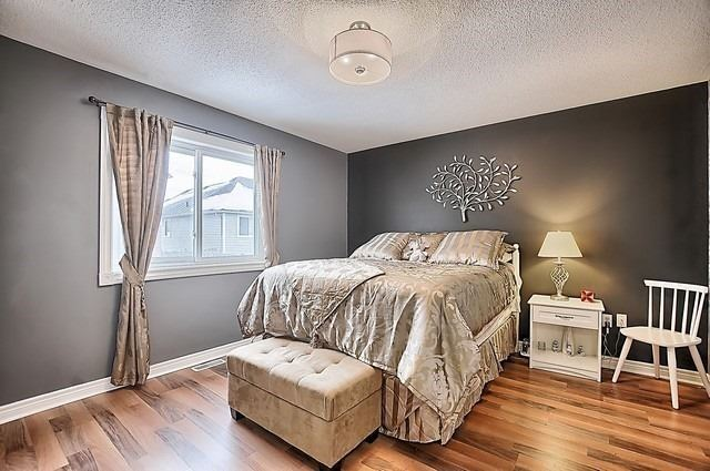 For Sale: 11 Ramblewood Drive, Barrie, ON | 1 Bed, 2 Bath House for $469,000. See 14 photos!