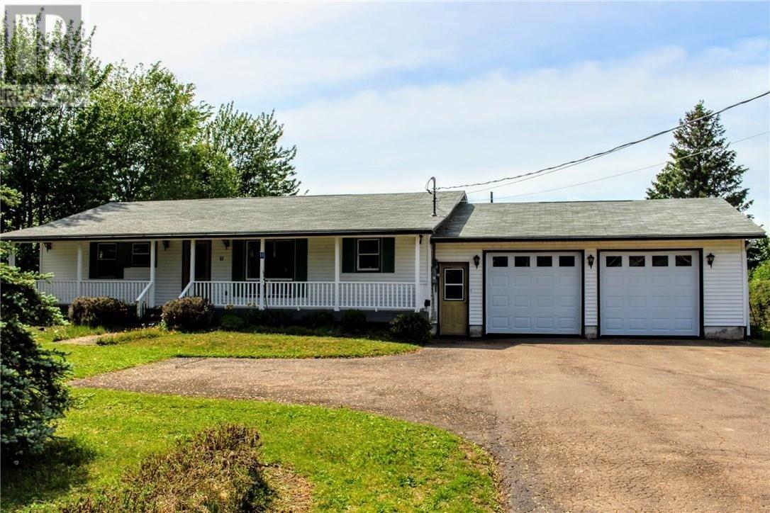 House for sale at 11 Renfrew St Petitcodiac New Brunswick - MLS: M129084