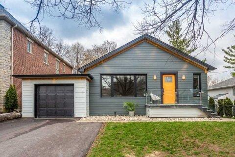 House for sale at 11 Ridge Point Cres Toronto Ontario - MLS: W5085156